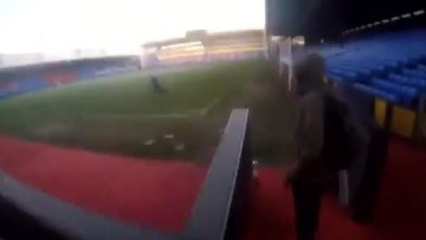 Gizlice stada sızdılar!