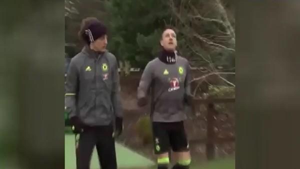 John Terry, Mesut Özil'e özendi!