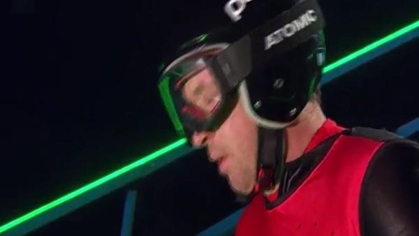 Liverpool'un efsanesi kayak yapmaya kalkınca!