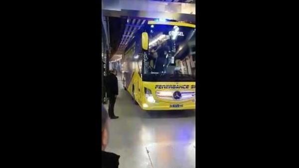 Fenerbahçe takım otobüsü Vodafone Arena'ya geldi