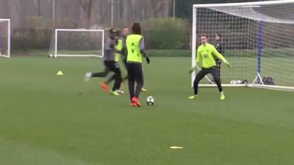 David Luiz'den şık hareket