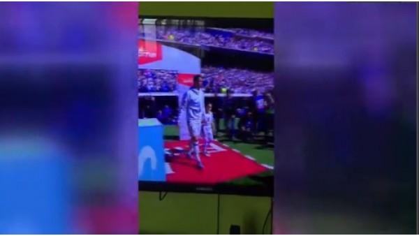 Ronaldo minik kızın aklını aldı!