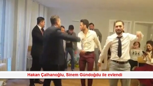 Hakan Çalhanoğlu, Sinem Gündoğdu ile evlendi