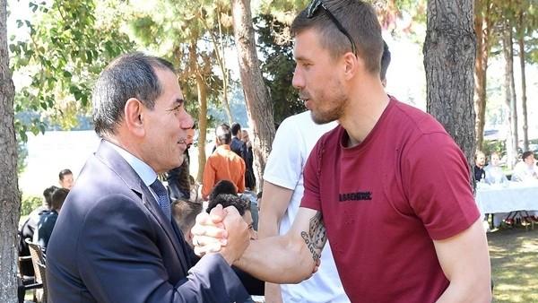 Galatasaray derbi öncesi tek yürek