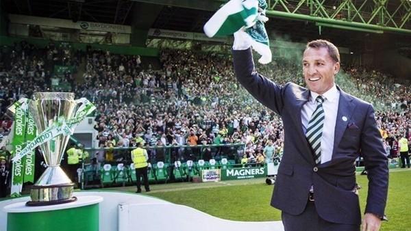 Celtic şampiyonluk kupasını kaldırdı!