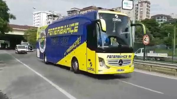 Fenerbahçe ve Trabzonspor takım otobüsleri stada geldi