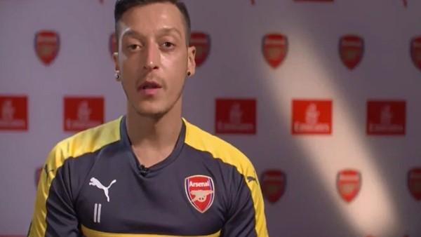 Mesut Özil'den Ramazan mesajı!