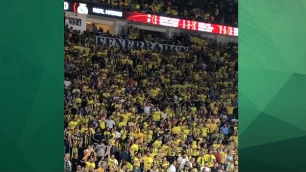 Fenerbahçe taraftarından muhteşem destek!