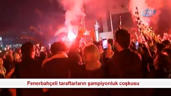 Fenerbahçeli taraftarların şampiyonluk coşkusu
