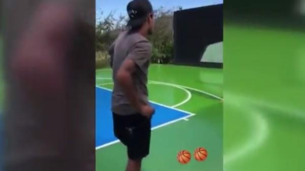 Neymar, basketbol yeteneğini sergiliyor!