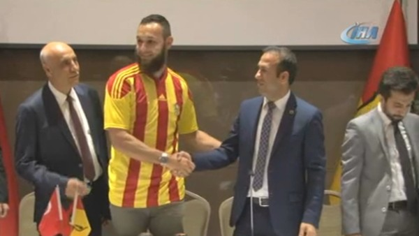 Yeni Malatyaspor, Nacer Barazite ile sözleşme imzaladı