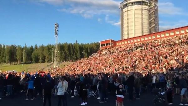 Östersunds taraftarının, penaltı golü sonrası tepkisi