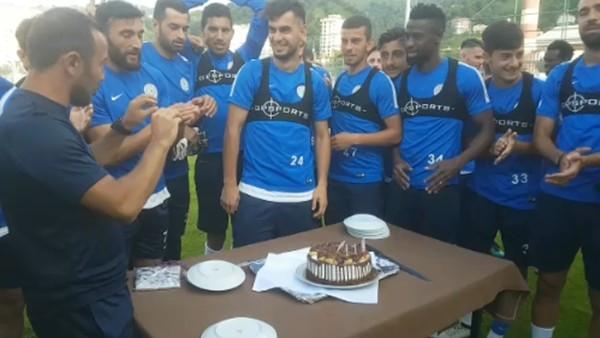 Rizesporlu Ozan Papaker'in doğum günü kutlandı