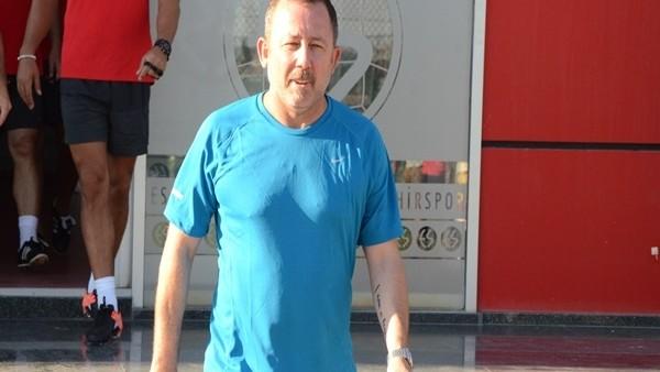 Sergen Yalçın, Eskişehirspor'un başında ilk antrenmanına çıktı