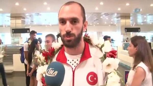 Ramil Guliyev, İstanbul'a ayak bastı