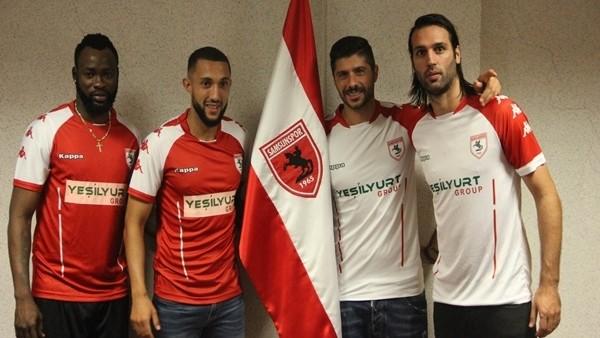 Samsunspor 4 önemli futbolcuyu renklerine bağladı