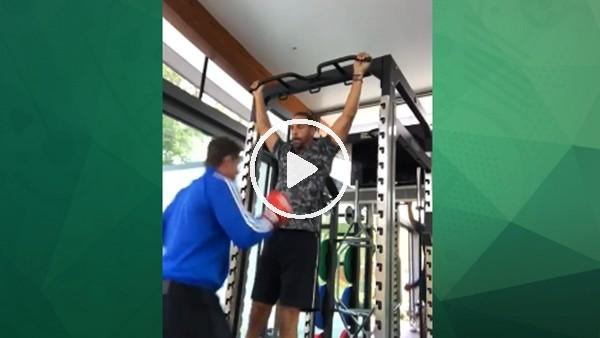 Rıo Ferdinand, boks antrenmanlarına hızla devam ediyor