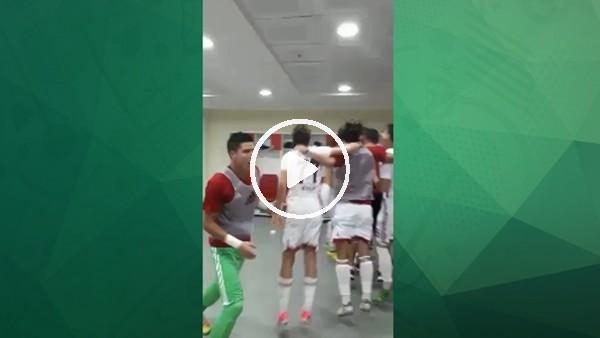 Altınordulu futbolcular galibiyeti böyle kutladı