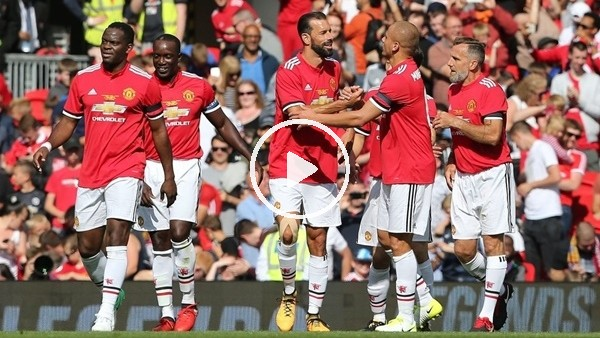 Manchester United ve Barcelona efsanelerinden futbol ziyafeti!