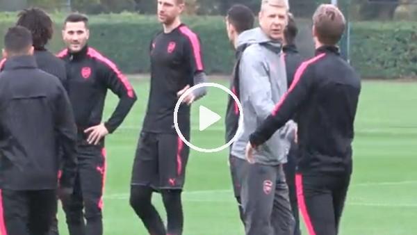 Arsene Wenger, Alexis Sanchez'le tokalaşmadı!