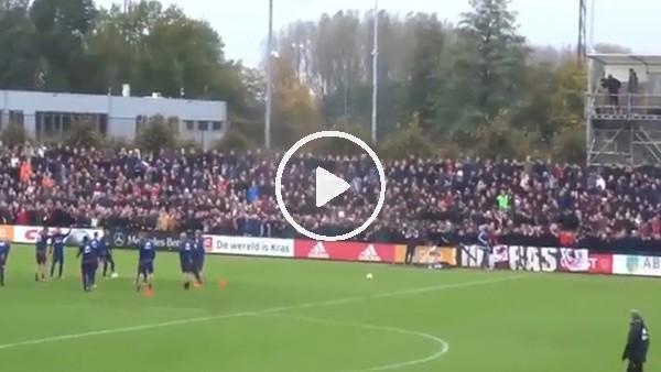 Ajax antrenmanını taraftarına açarsa!