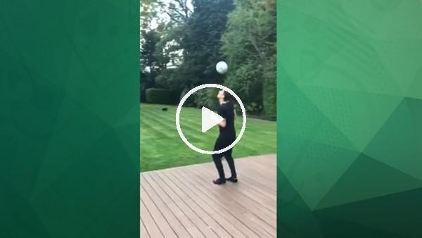 Mesut Özil'den futbol şov!