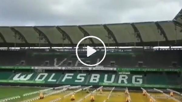 Wolfsburg'un stadı fırtına ile savaştı!