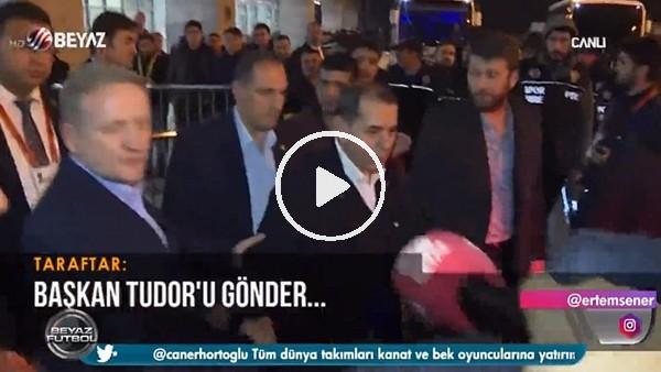 """Galatasaray taraftarından Dursun Özbek'e: """"Başkan Tudor'u gönder"""""""