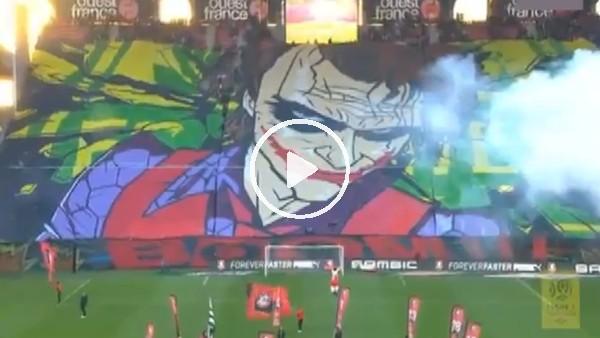 Rennes taraftarı harika bir koreografiye imza attı!