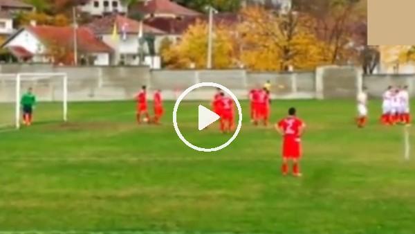 Bosna Hersek'teki maçta ilginç serbest vuruş!