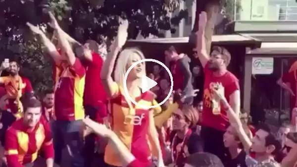 Galatasaraylı taraftarlardan Fenerbahçe'ye gönderme