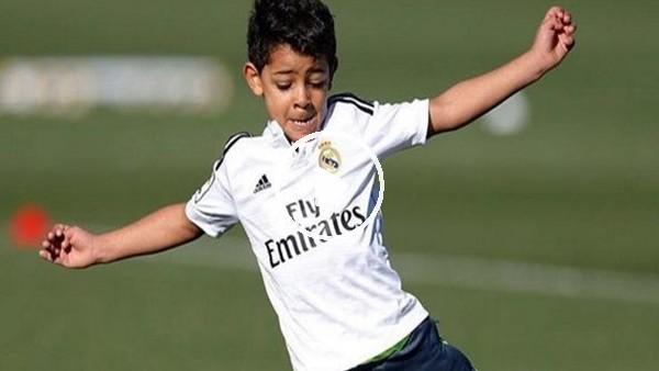 Junior Ronaldo şov yaptı!