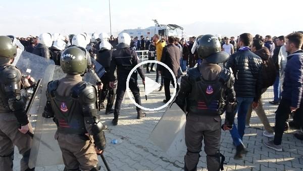 Afyonkarahisar'da tribün terörü: 4 yaralı