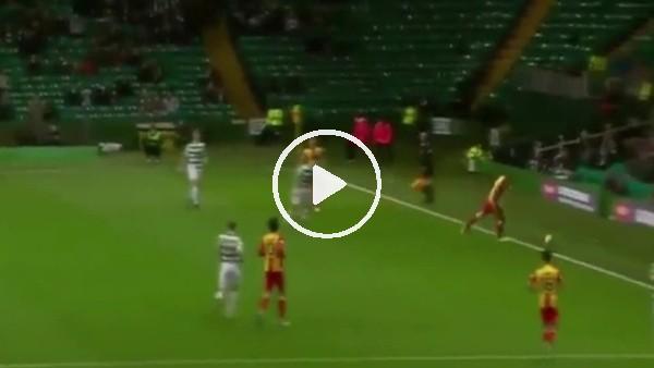 'Celtic taraftarına topu attı, futbolcular peşini bırakmadı!