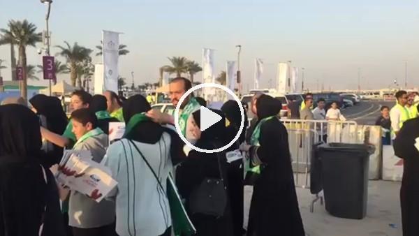 Suudi Arabistan'da kadınlar lk kez futbol maçına gitti