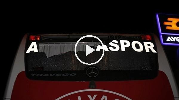 Antalyaspor takım otobüsüne saldırdılar