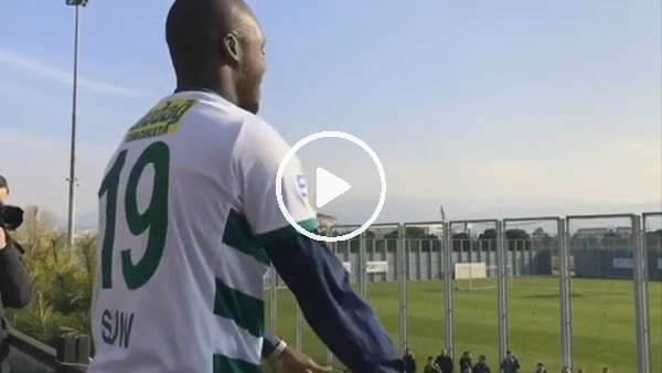 Bursaspor'dan Moussa Sow paylaşımı