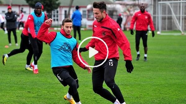 Samsunspor'da 2 futbolcu döndü, 1 futbolcu gitti