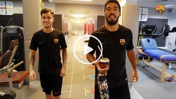 Coutinho takım arkadaşlarıyla tanıştı