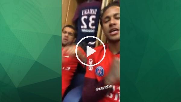 Neymar ve Dani Alves maça böyle konsantre oluyor!