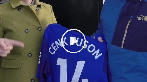 Cenk Tosun'un ismini Everton formasına yanlış yazdılar!