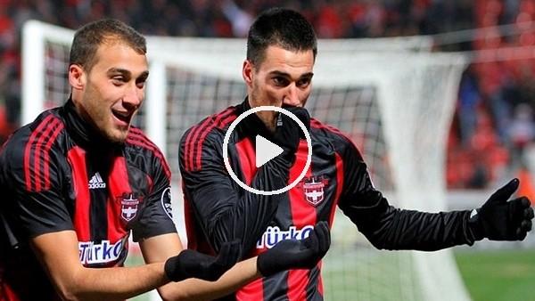 Cenk Tosun ilk maçında Galatasaray'a 2 gol atmıştı