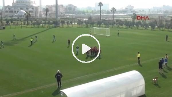 Milli futbolculardan gol sonrası asker selamı