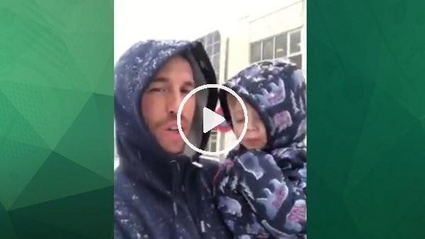Ramos ailesi karlı havanın keyfini çıkarıyor