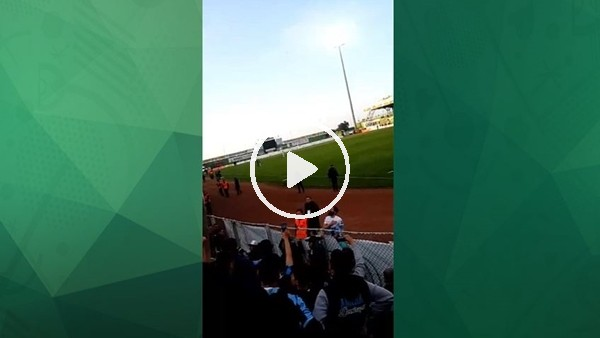 Adana Demirspor taraftarı futbolcusuna sahip çıktı