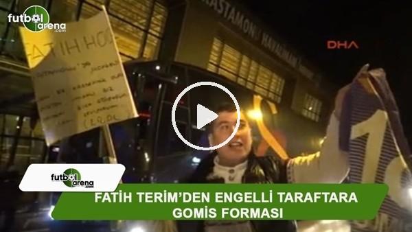Fatih Terim'den engelli taraftara Gomis forması
