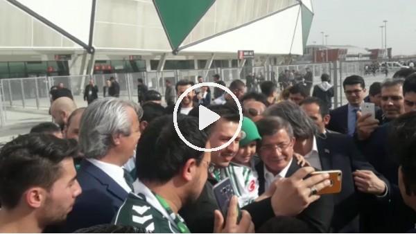 Konya'da Ahmet Davutoğlu'na büyük ilgi