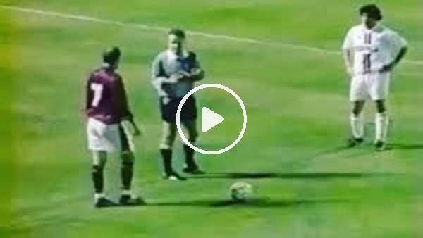 Zinedine Zidane'nin ortası, Ahmet Çakar'a çarpıp asist oldu