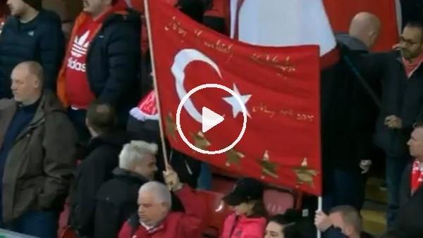 Anfield Road'da Türk bayrağı dalgalanıyor