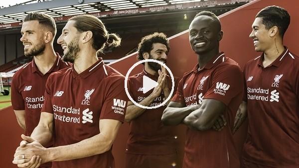 Liverpool yeni sezon formalarının tanıtımını yaptı